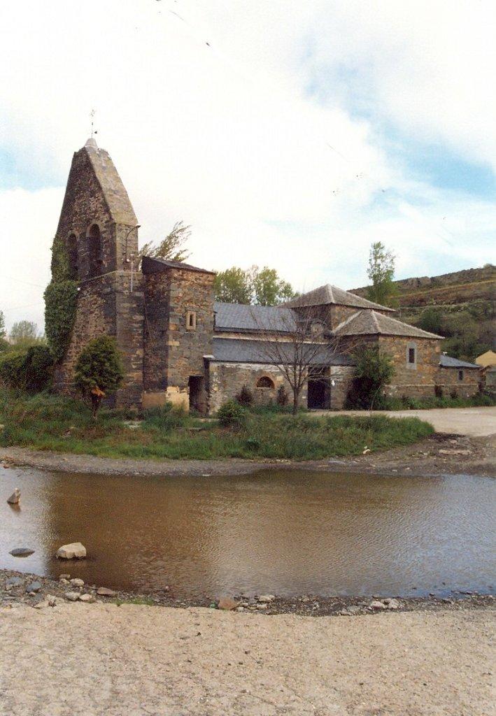 Iglesia de Villagatón ños 880