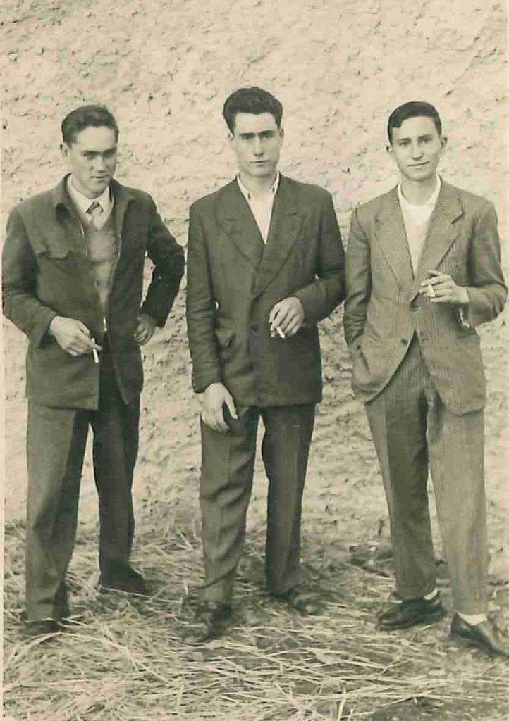 Tres-Mozos-del-Pueblo.jpg