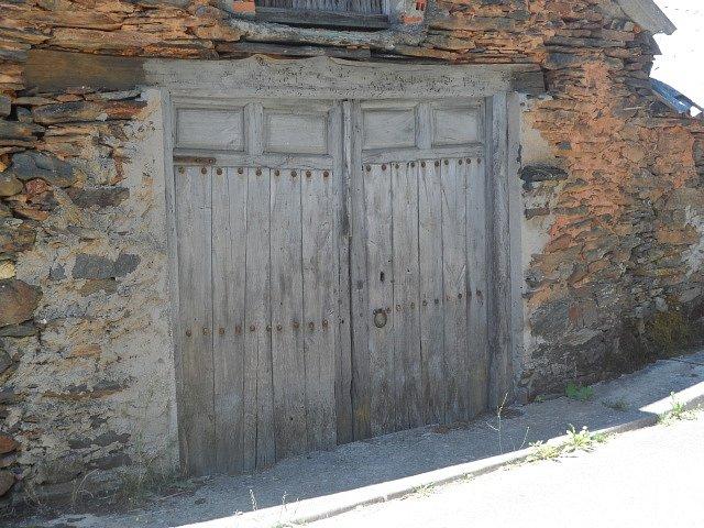 puerta-en-villagaton.jpg