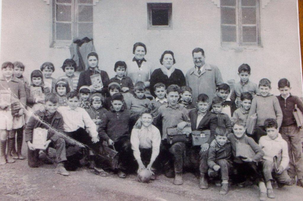 Escuela-de-villagaton1.jpg